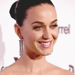 2016-Katy-Perry-brincos-Art-Deco_Folie_baile-Capitol-Records