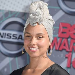 2016-ALICIA-KEYS_joias-Rosa-dos-Ventos_Bet-Awards-2016_2_2