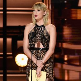 2016-Taylor-Swift-50th-Annual-CMA-Awards-Show--